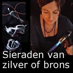 Zilveren of bronzen sieraden maken vrijgezellenfeest